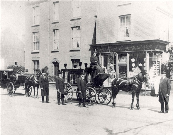 Photo:Funeral Carriages c. 1910