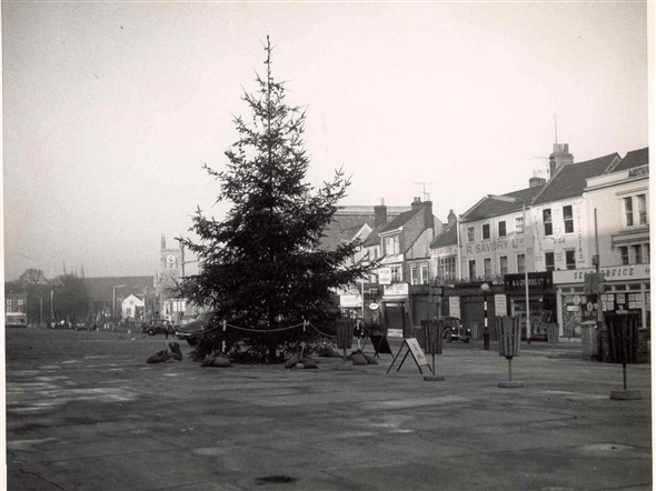 Photo:Christmas Tree in the Market Place, 1961
