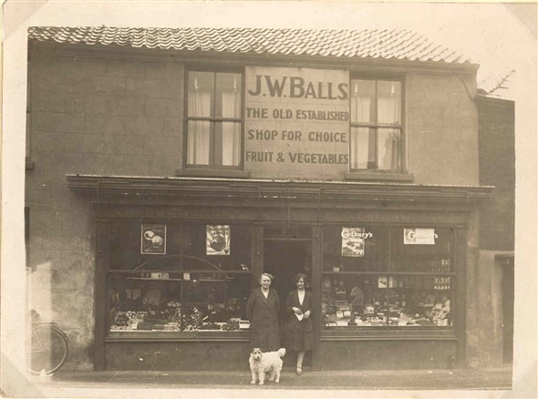 Photo:View of James Balls Greengrocers shop, 98-99 Blackfriars Road Great Yarmouth