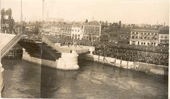 Photo:Opening of Haven Bridge