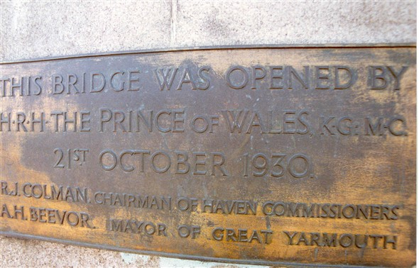 Photo:Plaque on Haven Bridge