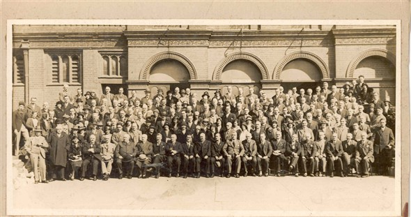 Photo:Group prtrait of the workers attending the post office conference in Great Yarmouth, c.1930s