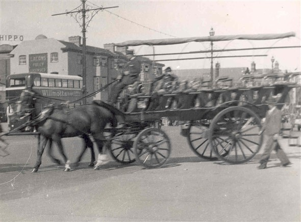 Photo:Photograph of Horse-drawn carriage, which took sightseers to Oulton Broad and elsewhere
