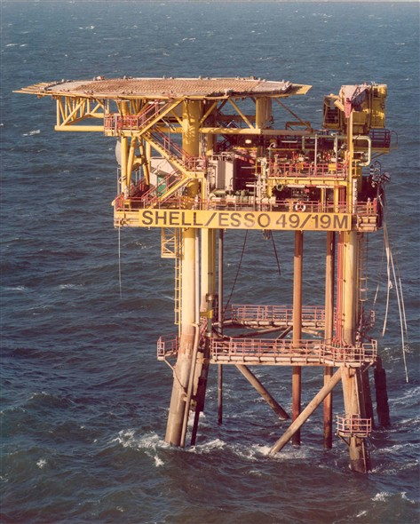 Photo:Shell/Esso 49/19M platform