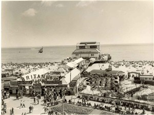 Photo:Joyland next to Britannia Pier, in the late fifties