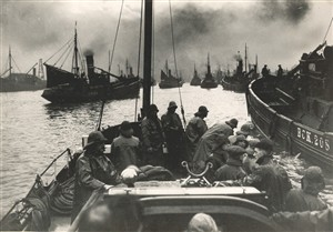 Photo:Lifeboat on the Yare, c1910s?