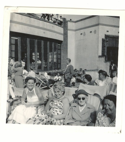 Photo:People enjoying the sunshine out side the Floral Hall, 1950's style