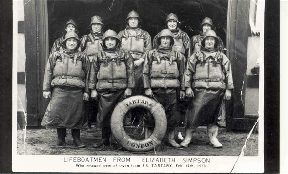 "Photo:Crew of the ""Elizabeth Simpson"", 1938"