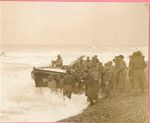 Photo:Lifeboat with service personnel in wartime, c1939-45?