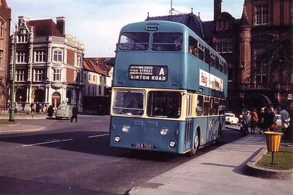 Photo:No 2 (DEX 702) resting at the Hall Quay bus stop en route to Gorleston's Magdalen Estate