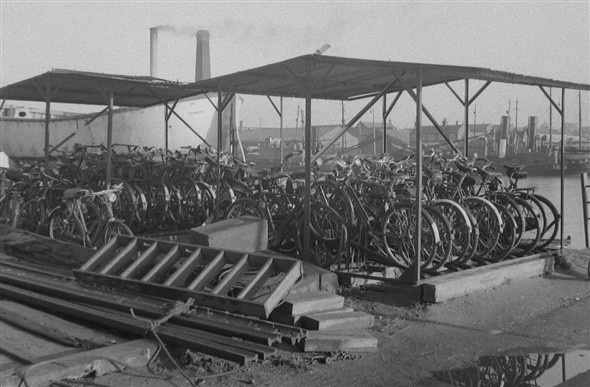 Photo:Bicycle sheds at Ferry Terminal