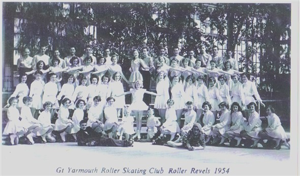 Photo:Postcard showing Great Yarmouth Roller Skating Club in their summer show in 1954