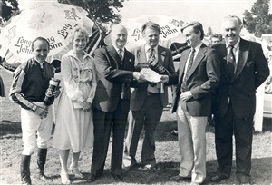 Photo:Yarmouth Races 28-08-80 - presenting to the owner of the winner of the Applegate Handicap Stakes