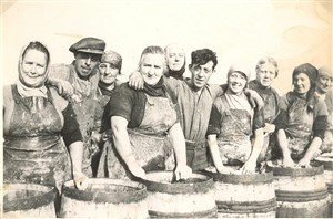 Photo:Scotch Girls and Barrels 1950's