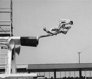 Photo:Stunt Divers -Names please