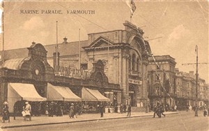 Photo:Postcard of the Marine Arcade, Great Yarmouth, c. 1900