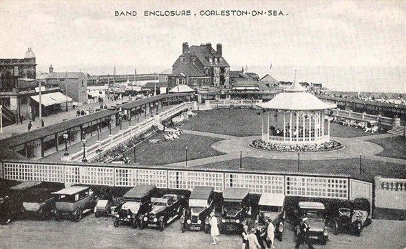 Photo:Band Enclosure, Gorleston, c. 1930