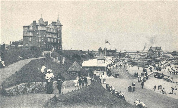 Photo:Postcard showing the Cliff Hotel Gorleston