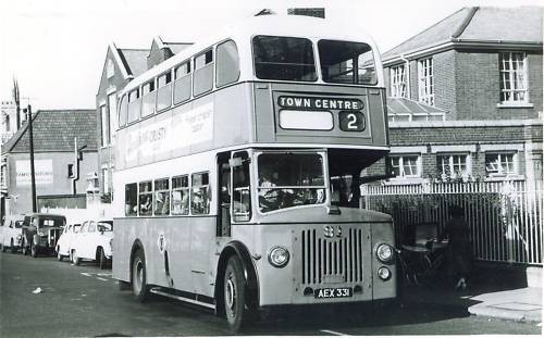 Photo:No 31 (AEX 331) dropping off passengers outside the Hospital School in the Market Place