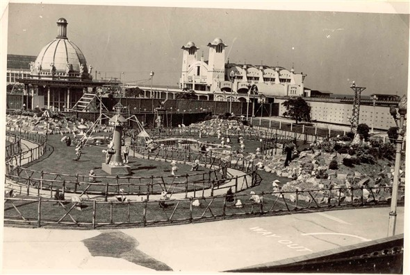 Photographs Of Marine Parade And Some Of Its Attractions