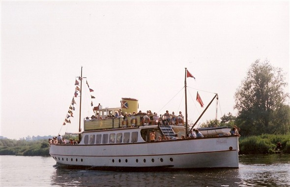 Photo:regal lady /oulton belle on the river yare