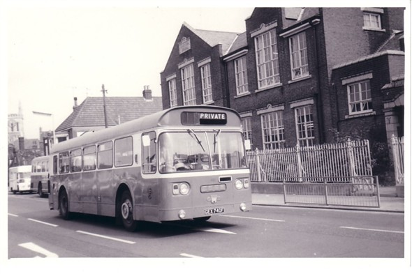 Photo:No 40 (GEX 740F) outside the Hospital School, Market Place