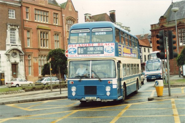 Photo:No 39 (RVF 39R) passing along Hall Quay with the GPO in the background (left)